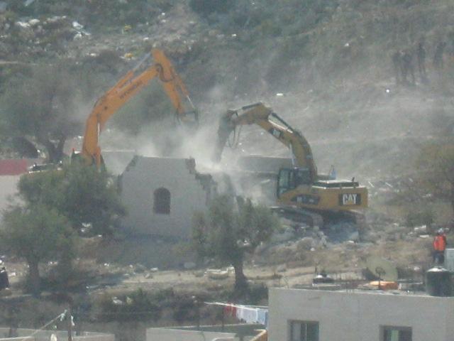 Hancur: Penghancuran rumah-rumah warga Palestina oleh pasukan Zionis Israel. Foto: Paltoday.