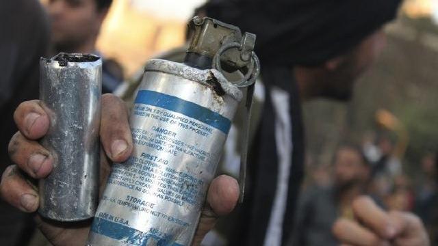 Diantara perlengkapan bikinan USA yang digunakan menyerang rakyat Mesir hari-hari ini. foto: Gawker Assets