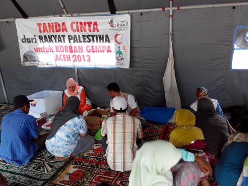 Trauma healing dan pelayanan kesehatan untuk para pengungsi di desa Bah, kec. Ketol, Aceh Tengah. foto: Sahabat Al-Aqsha