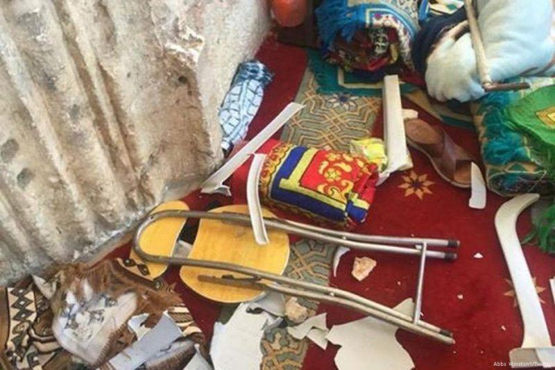 Tak hanya lukai jamaah, serdadu Zionis dan pemukim ilegal Yahudi juga rusak properti di Masjid al-Aqsha. Foto: Abbs Winston/Twitter