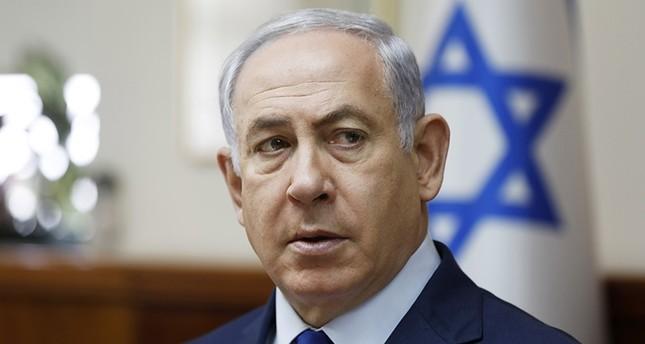 Benyamin Netanyahu memimpin rapat kabinet mingguan di Baitul Maqdis, Ahad, 19 November 2017. Foto: Associated Press