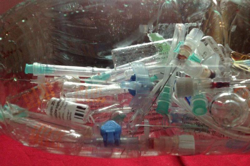Sampah medis. Foto: Middle East Monitor