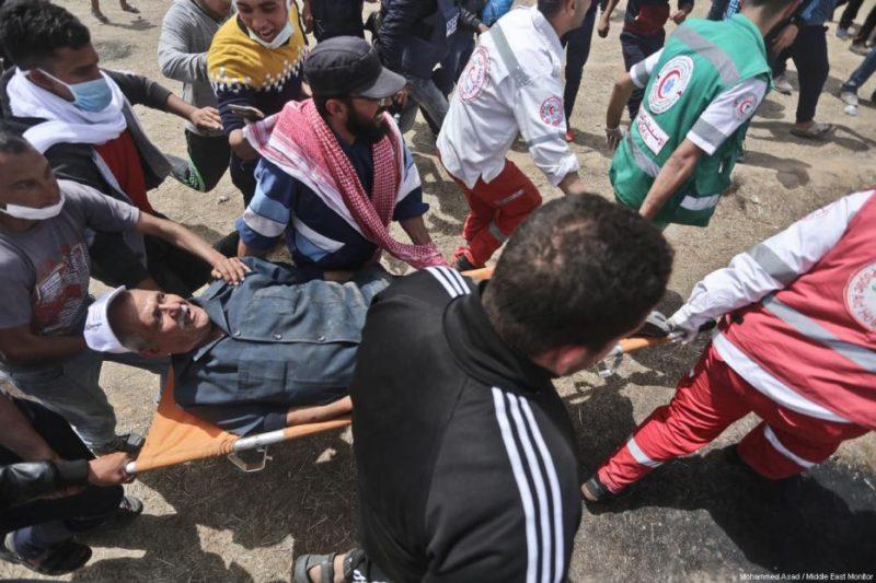 Serdadu Zionis telah menembak mati 31 warga Gaza dan melukai ratusan lainnya sejak aksi protes damai dimulai. Foto: Mohammad Asad/Middle East Monitor
