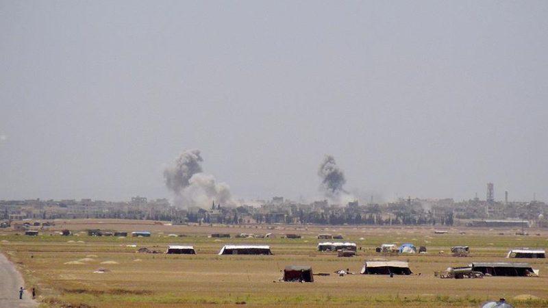 Serangan udara rezim Assad menargetkan daerah pemukiman di Idlib. Foto: Anadolu Agency