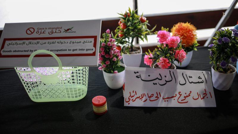 Hassan Ali Odeh: 'Situasi di sini hanya bisa digambarkan dengan satu kata: mencekik'. Foto: Hosam Salem/Al Jazeera