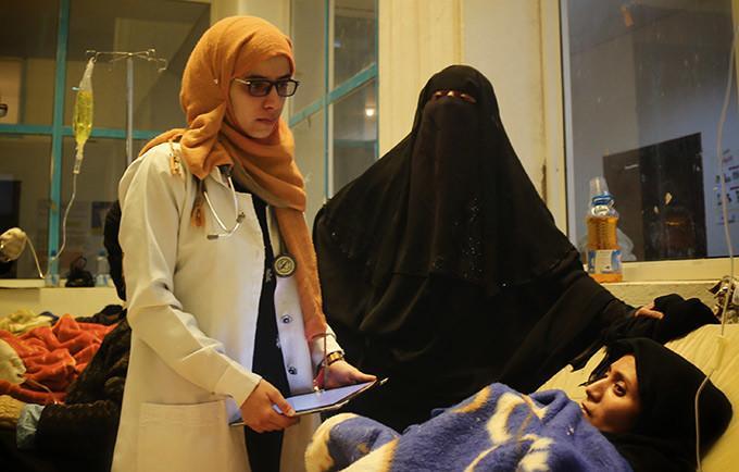 """UNFPA menyatakan, para wanita hamil di Hudaidah """"berisiko tinggi"""" karena semakin sulit mengakses perawatan sehingga tingkat kematian ibu cenderung meningkat dua kali lipat dari jumlah tahun 2015, yakni 385 kematian per 100.000 kelahiran hidup. Foto: MEMO"""
