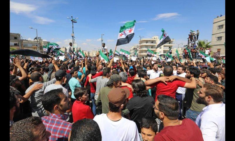Demonstrasi diselenggarakan pada Jum'at lalu di utara Suriah di sekitar Idlib, Aleppo dan utara Hama. Foto: Middle East Monitor