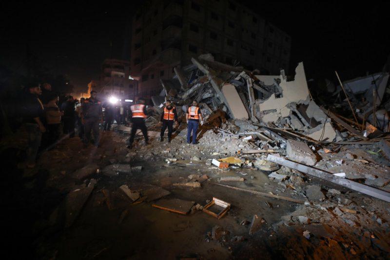Stasiun Al-Aqsa TV yang dikelola Hamas hancur akibat serangan udara 'Israel' di Gaza pada 12 November 2018. Foto: Anadolu Agency
