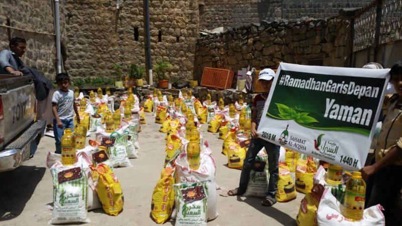 Alhamdulillah, paket-paket makanan Ramadhan tanda cinta Indonesia mengalir untuk keluarga-keluarga kita di Wadi La'ah, Yaman. Foto: Sahabat Al-Aqsha