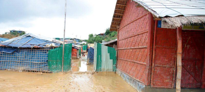 Kamp pengungsi di Cox's Bazar setelah dilanda hujan deras, yang mengakibatkan sejumlah daerah dilanda banjir. Foto: WFP/Gemma Snowdon