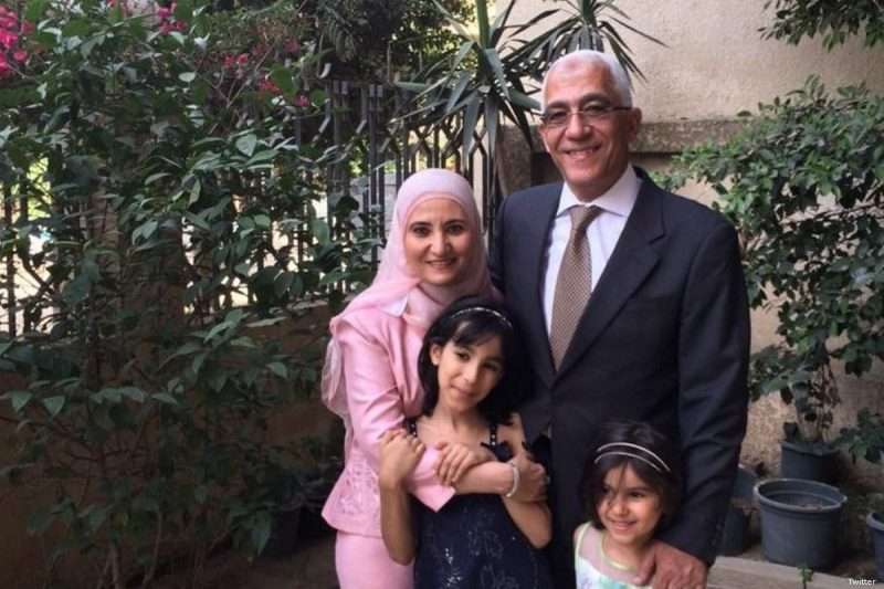 Ola Al-Qaradawi, putri Ketua Persatuan Ulama Muslim Internasional Syaikh Yusuf Al-Qaradawi, dan suaminya. Foto: Twitter