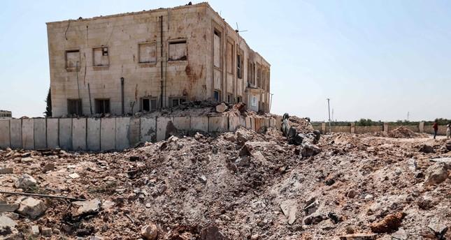 Sebuah fasilitas kesehatan menjadi sasaran serangan udara rezim di kota Urum al-Kubra di pedesaan barat provinsi Aleppo, Suriah, kendati ada gencatan senjata yang diumumkan secara sepihak, 31 Agustus 2019. Foto: Daily Sabah