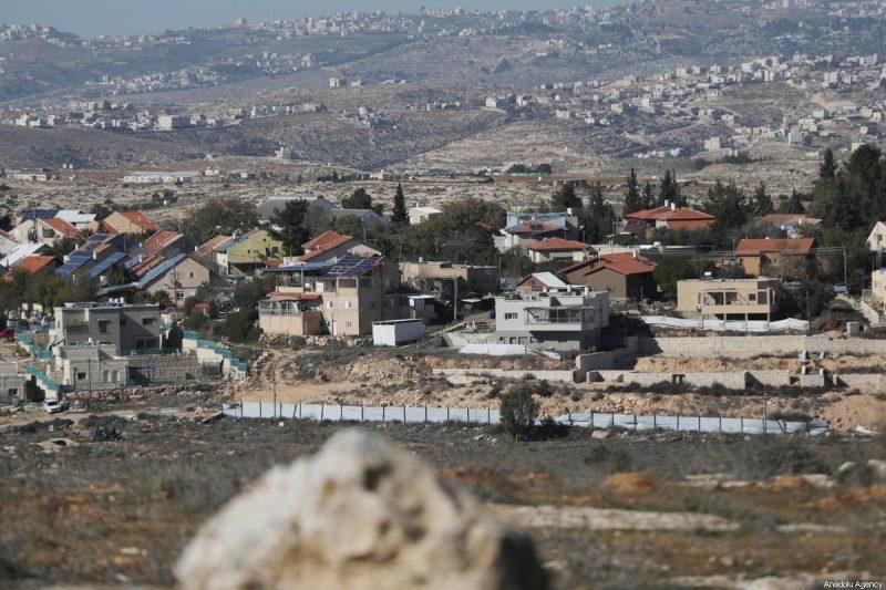 Permukiman ilegal 'Israel' di Tepi Barat pada 23 Januari 2021 [Mamoun Wazwaz/Anadolu Agency]