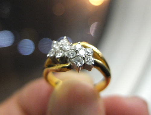 Akhirnya, Cincin Cantik itu Tersemat di Jari Perempuan Pemberani di Gaza